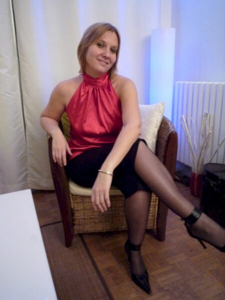 Adoptez une cougar coquine sexy