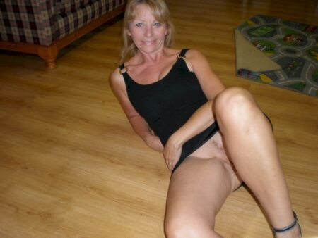 Adoptez une cougar sexy vraiment salope