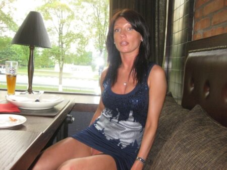 Adoptez une femme cougar sexy