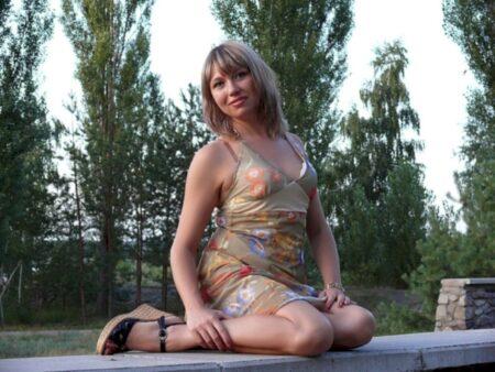 Femme libertine domina pour gars obéissant