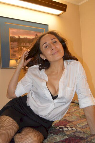Passez une nuit de sexe avec une femme d'origine arabe